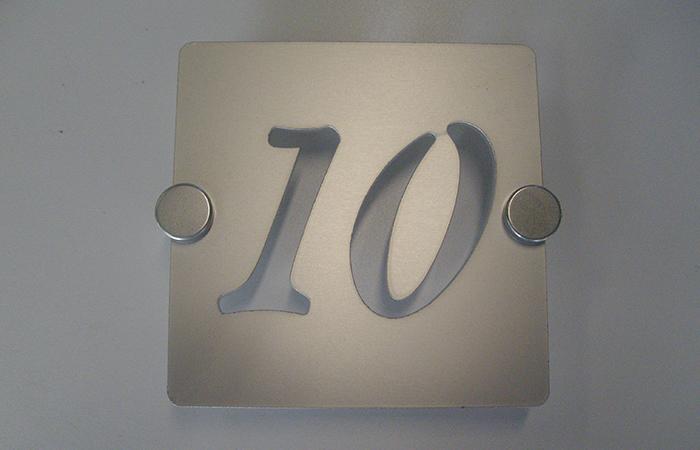 Aluminium anodisé+défonce - fixation par pince inox